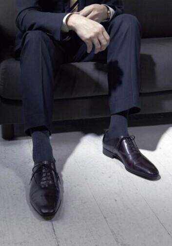 西装搭配袜子