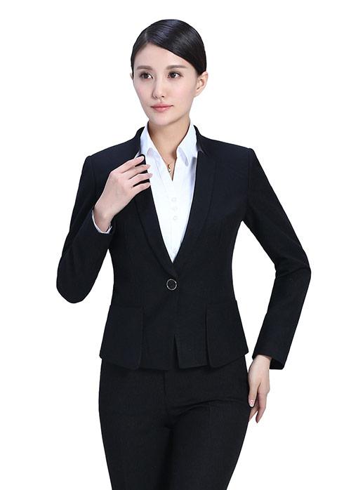 北京定制修身西服如何保养